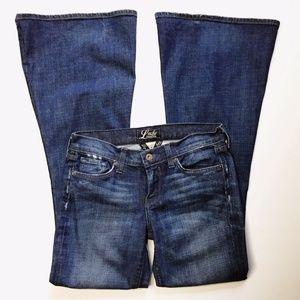 Lucky Brand Sz 4/27 ZOE Bell Bottom Flare Jeans IL